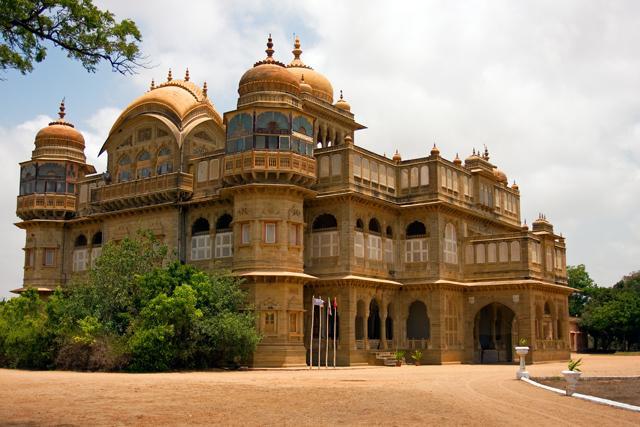 vijay-vilas-palace